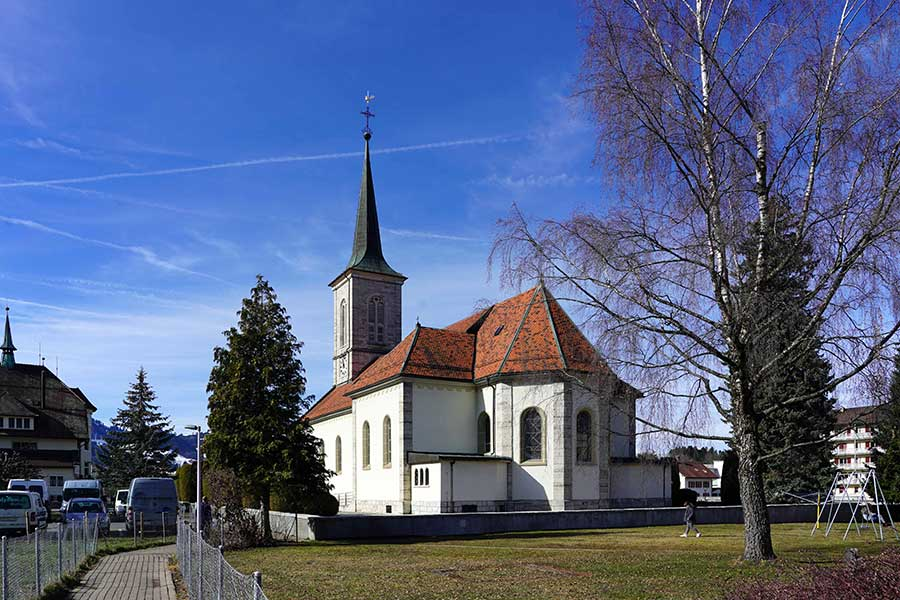 Turm der Prioratskirche Saint-Othmar Broc