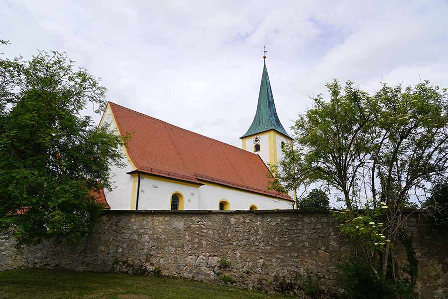 Die Pfarrkirche von Waldkirchen hat Petrus und Paulus als Patrone