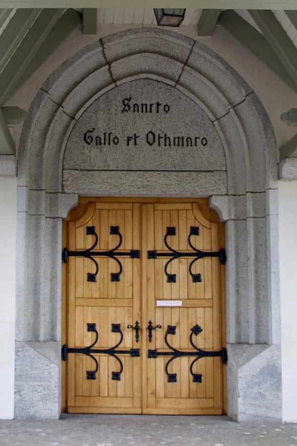 Pfarrkirche Sankt Gallus und Othmar Kaiseraugst, Portal