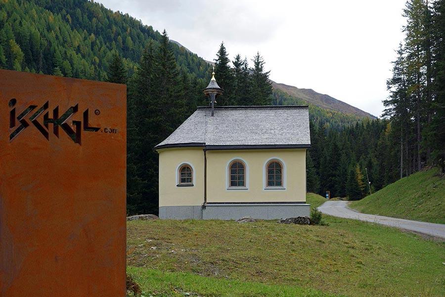 Galluskapelle im Ski- und Partyort Ischgl